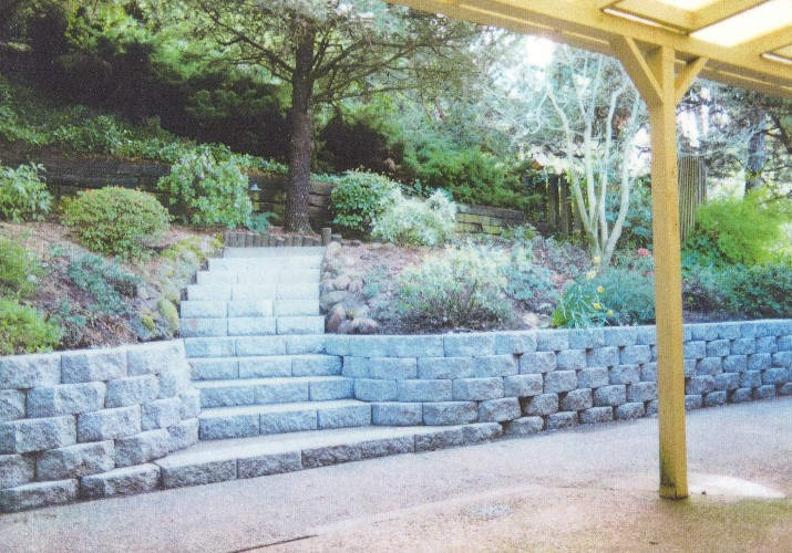 Anchor diamond block wall & steps