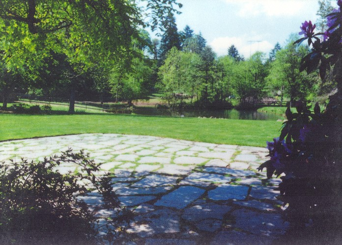 Pennsylvania bluestone patio with moss
